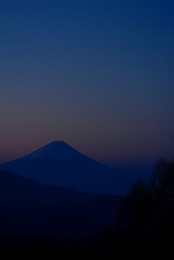 富士山が顔をだす・・