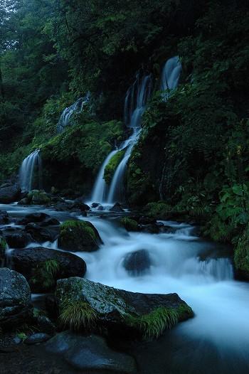 滝と水の流れ・・